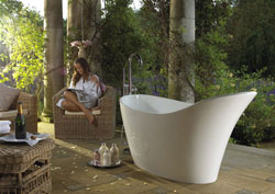 Amalfi Free Standing bath with free standing tapstand