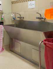 Installed floor mounted hospital surgeon scrub sink